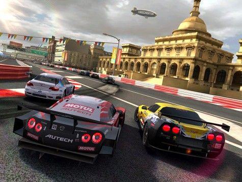 Pierwsze wrażenia z Real Racing 2 HD na iPadzie 2