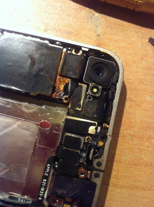 Ku przestrodze: Jak wygląda iPhone 4 po zalaniu, bez profesjonalnego czyszczenia w serwisie?