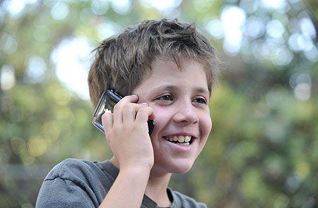 Serwis iPhone Szczecin: Instalacja oprogramowania szpiegowskiego w iPhone u dziecka, pracowników lub żony