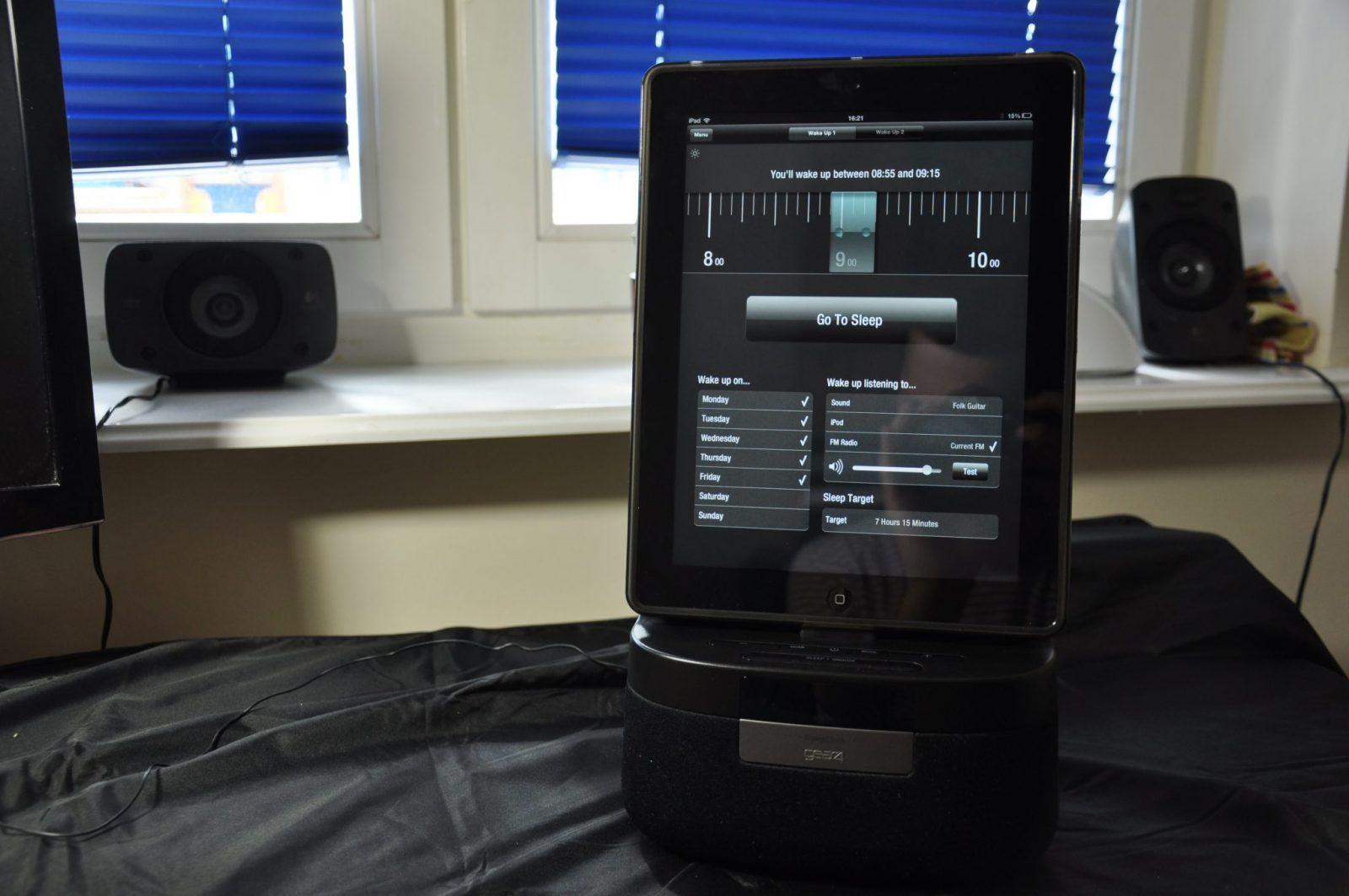 Recenzja: GEAR4 Renew Speel Clock – iBudzik z radiem i monitorem snu
