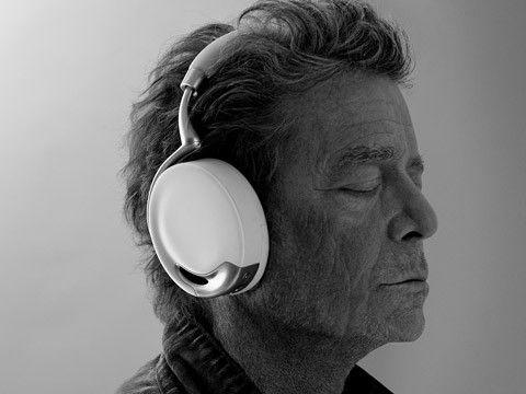 Lou Reed, legenda rocka dostroił słuchawki Parrot Zik