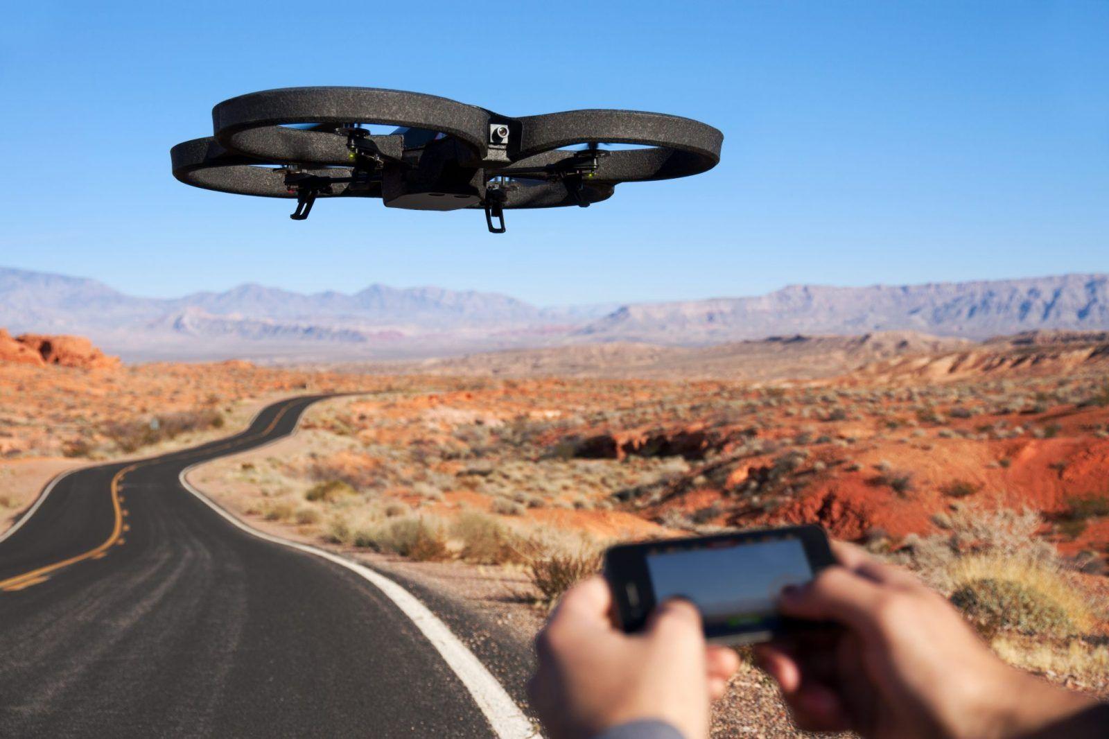 Parrot AR.Drone 2.0 Elite Edition:  Nowy wygląd dla nowych przygód!