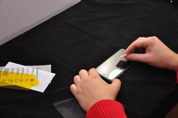 Recenzja Invisible Shield GLASS dla iPhone 6 10