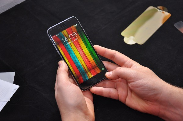 Recenzja Invisible Shield GLASS dla iPhone 6 34