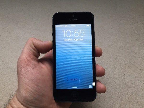 Wymiana zbitej szybki w iPhone Szczecin serwis apple 19