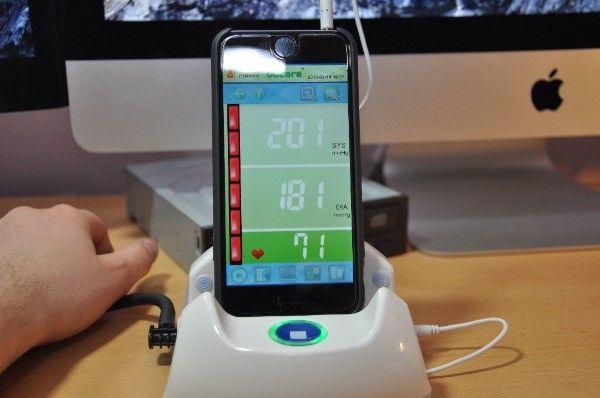Recenzja THOMSON TKP7710 – ciśnieniomierz komunikujący się z iPhonem, iPadem i Androidami