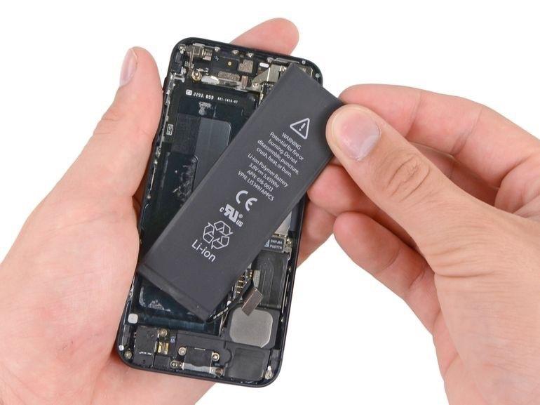 Wymiana baterii w iPhone, wybuchająca bateriw a iphone Applemobile.pl 32