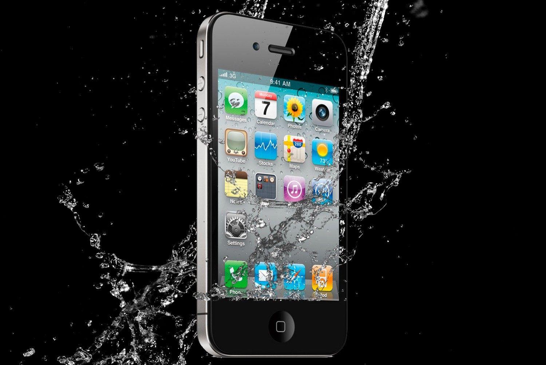 Zalany iPhone? Ile kosztuje naprawa telefonu po zalaniu?