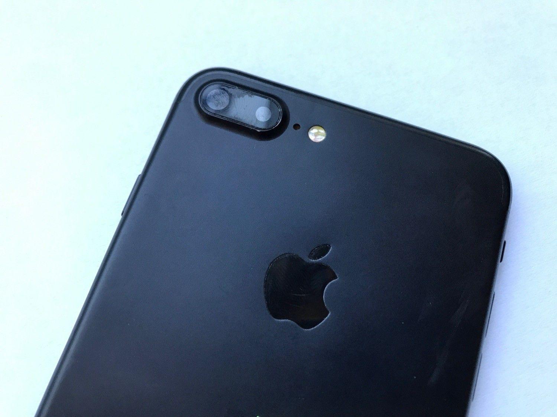 Uwaga na podróbki iPhone 7 i iPhone 7 Plus! Jak rozpoznać replikę iPhone'a 7 Plus?