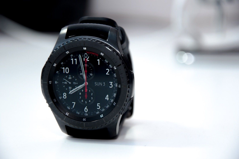 Recenzja Samsung Gear 3 Frontier w parze z iPhonem