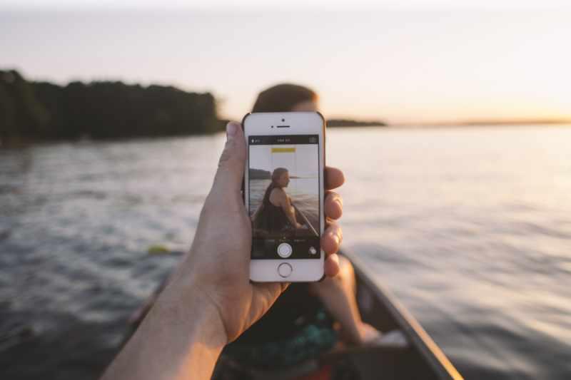 Co zrobić, kiedy nasz telefon komórkowy wpadnie do wody?