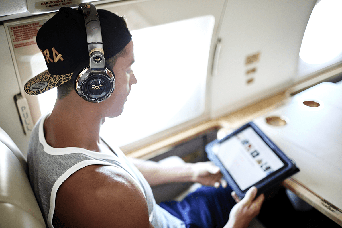 Monster Roc Black Platinum – słuchawki nie tylko dla fanów piłki nożnej