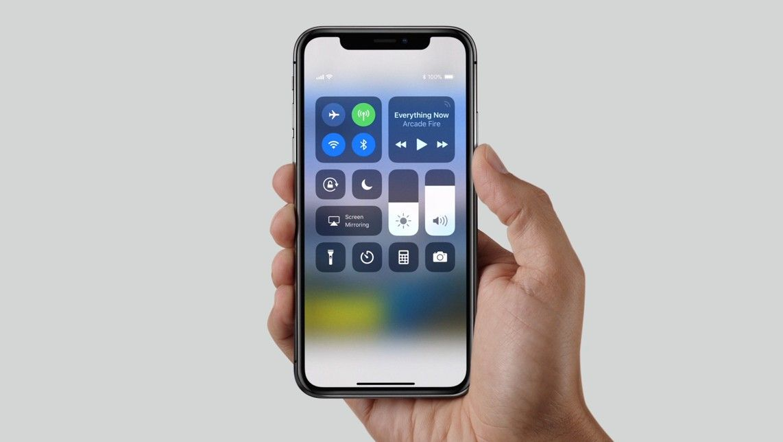 Zuchwała kradzież partii iPhone'a X