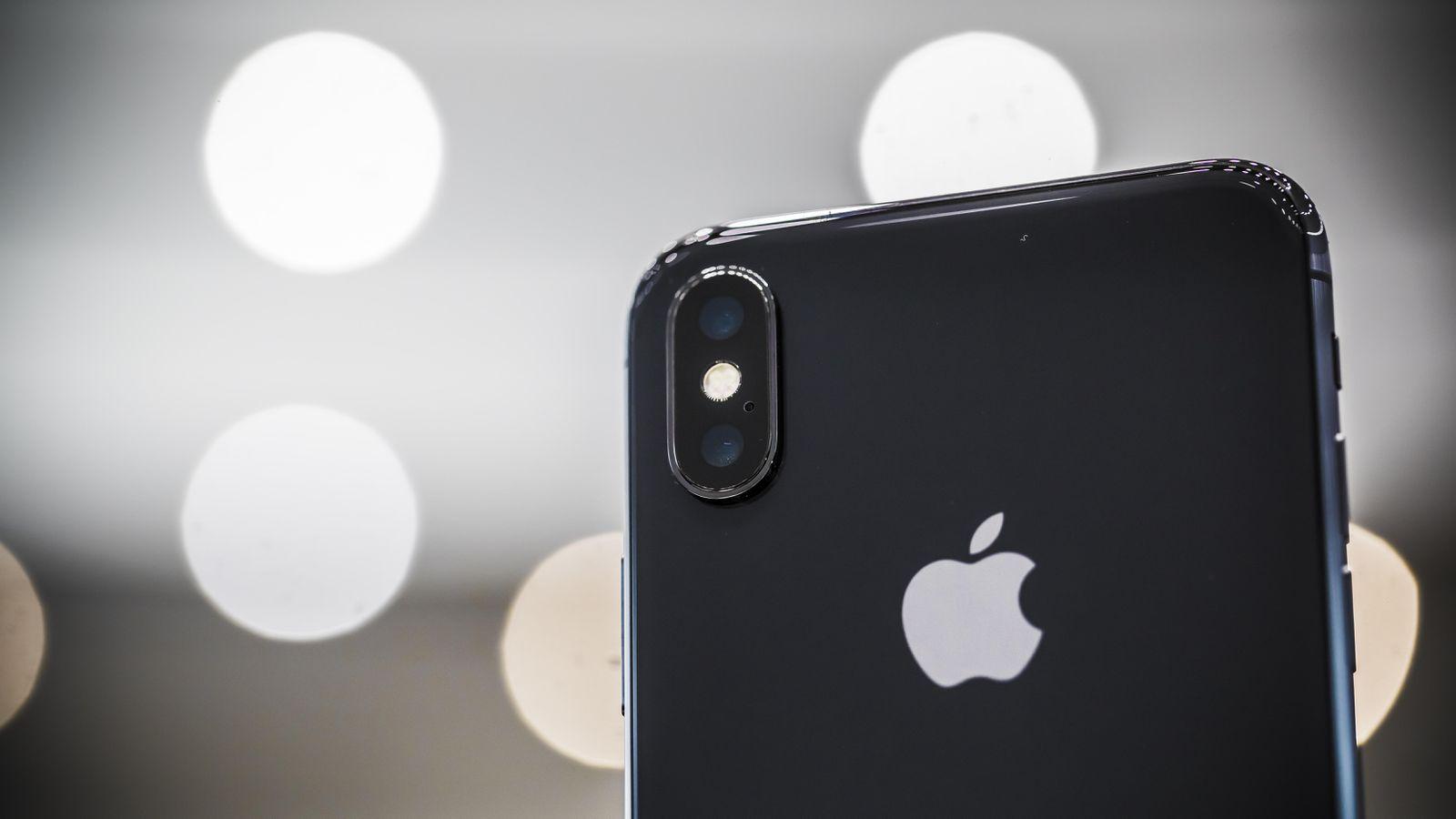 iPhone X rozebrany na części