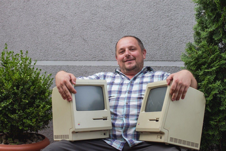 """""""Nie przeraża mnie, kiedy z komputera leci siwy dym"""" – O starych komputerach, Apple i powstającej książce, która powinna zainteresować każdego fana Apple rozmawiamy z Pawłem Wroneckim, kolekcjonerem komputerów Apple, założycielem AppleClub.pl"""