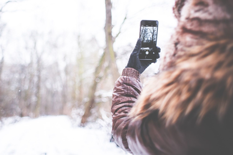 Jak robić dobre zdjęcia smartfonem (cz. 2) – Ekspert i profesjonalny fotograf Jakub Kaźmierczyk radzi