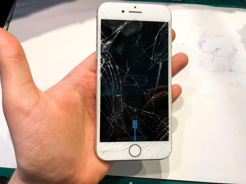 iPhone 8/8+/X i kwestia problemu niedziałających ekranów po aktualizacji do iOS 11.3