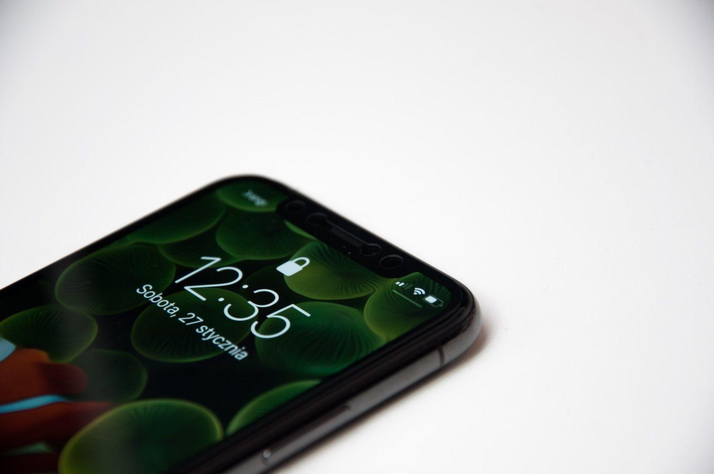 JCPAL Preserver szkło ochronne dla iPhone'a X, którego nie widać, a przecież jest!