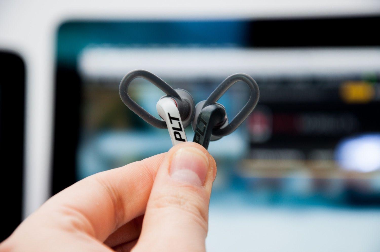 Dobre i wygodne słuchawki do biegania to Plantronics BackBeat FIT 305