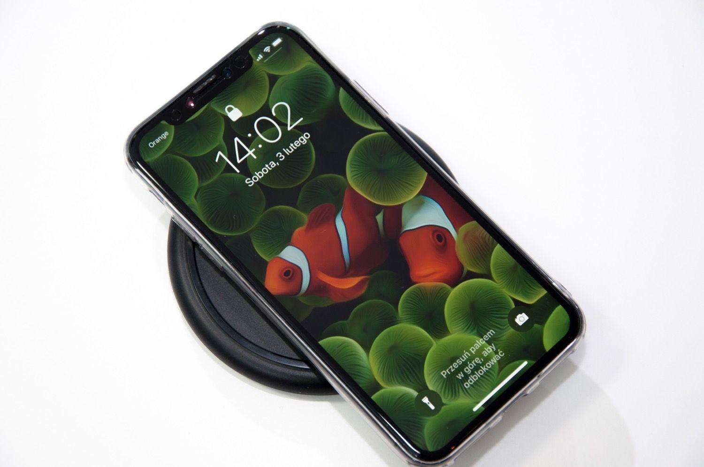 Solidna ładowarka indukcyjna QI dla iPhone'a Mophie Wireless Charging Base