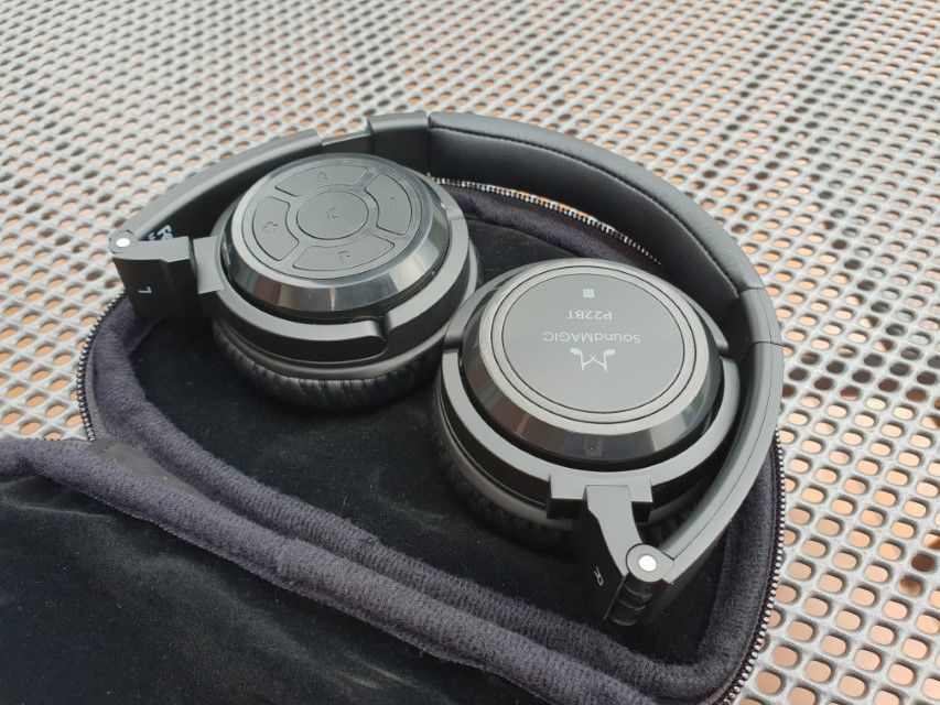 Recenzja bezprzewodowych słuchawek SoundMagic P22BT