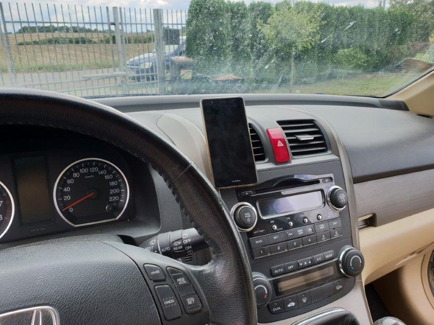 Recenzja hama® Universal Smartphone Holder. Solidny magnetyczny uchwyt samochodowy od firmy hama®