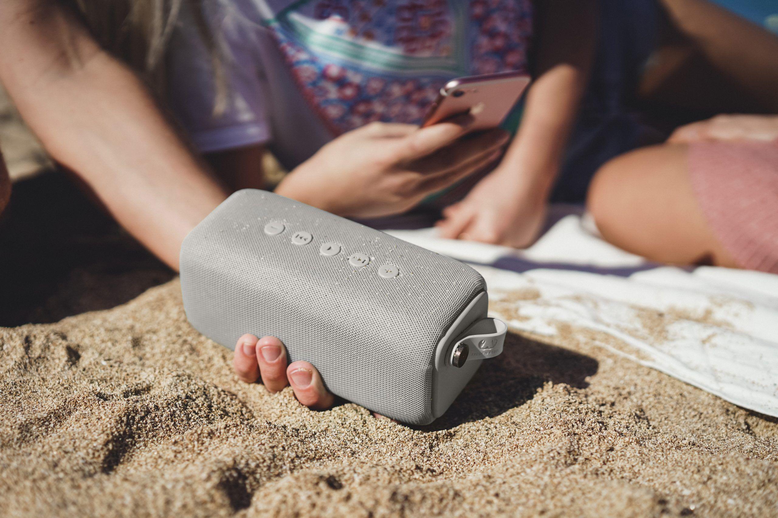 5 powodów, dla których warto zabrać głośniki Fresh'n'Rebel  Rockbox Bold na wakacje