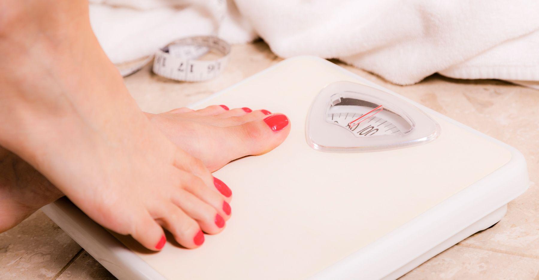 Inteligentne wagi – przegląd rynku, jaką wybrać? Jak schudnąć po świętach?