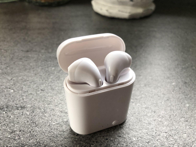 Recenzja słuchawek i7 TWS Mini – prawie jak AirPods