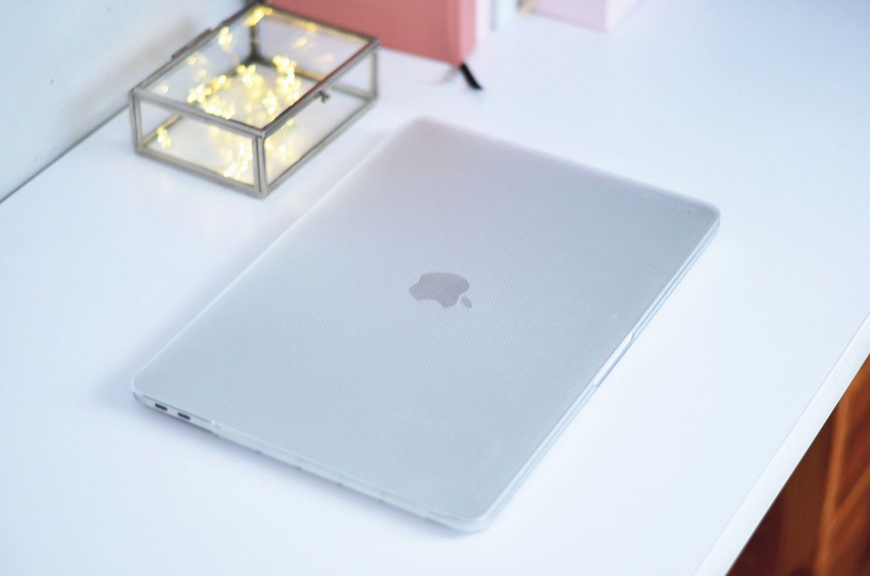 """Recenzja INCASE HARDSHELL CASE – OBUDOWA MACBOOK PRO 13"""" (2018/2017/2016) – w końcu znalazłam idealne etui na MacBooka."""