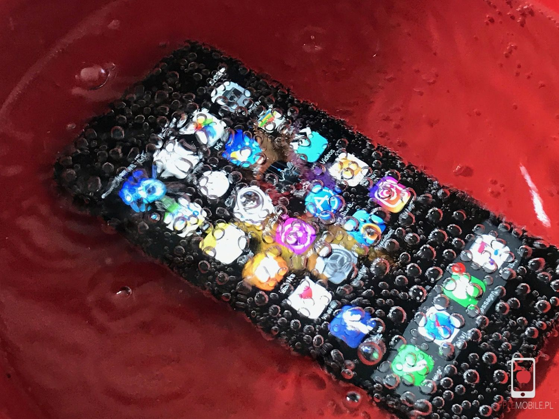Zalany iPhone można naprawić skutecznie i tanio w serwisie apple szczecin APPLEMOBILE.PL