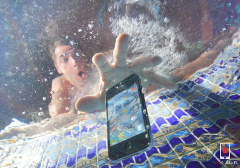 Co robić, gdy telefon wpadnie do wody? Naprawa iPhone po zalaniu.