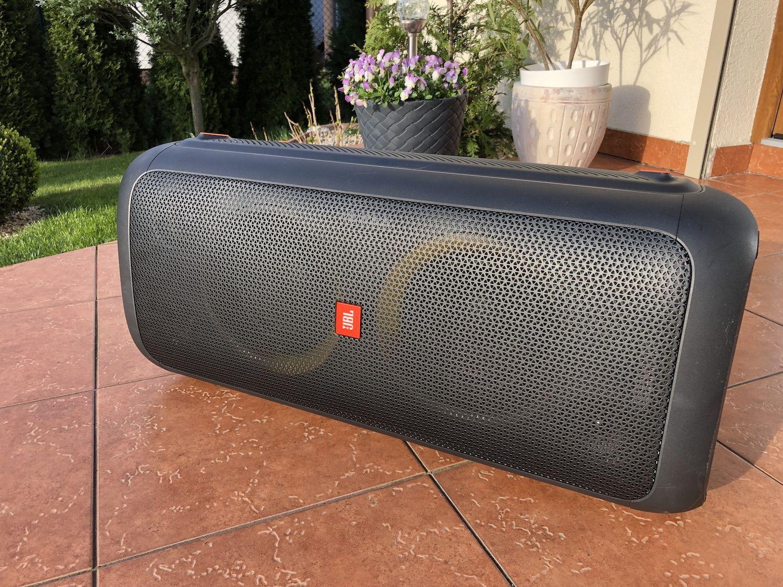 Recenzja wielkoluda JBL Partybox 300 – najlepszy imprezowy głośnik, który sprawdzi sięświetnie w każdych warunkach