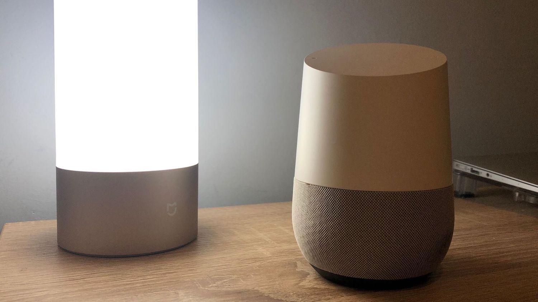 """""""Okej Google, zrecenzuj się!"""" – Głośnik Google Home w inteligentnym domu."""