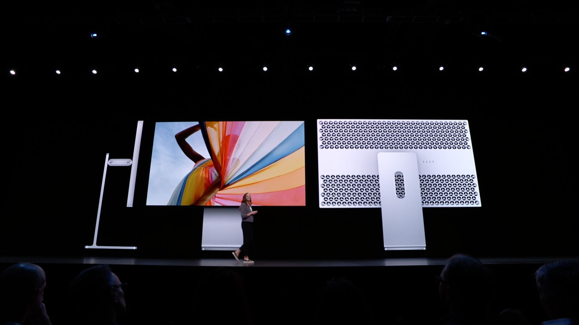 Firma Apple pokazała nowy monitor Pro Display XDR