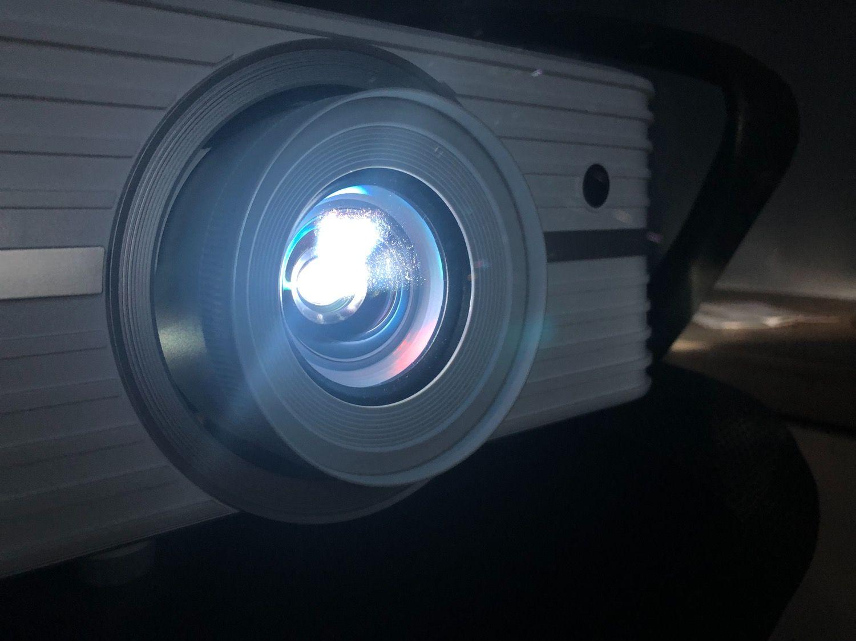 Recenzja Optoma uhd300x – projektor, czyli spełnienie chłopięcych marzeń!