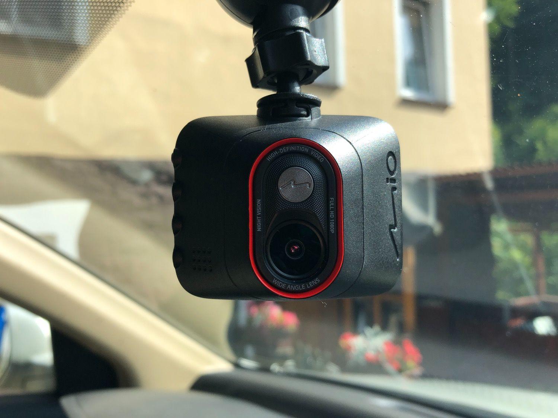 Recenzja Mio MiVue C312 – w taki wideorejestrator powinien być wyposażony każdy samochód