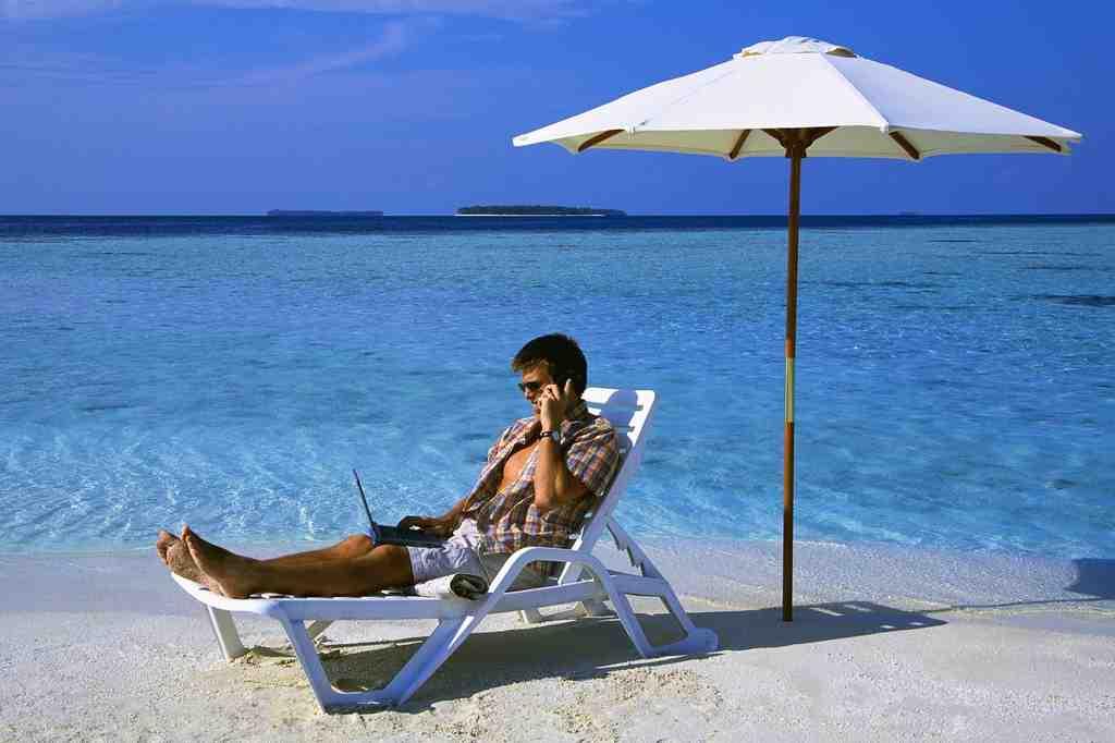 AVG Secure VPN zabezpieczy Twoją prywatność w internecie, nie tylko podczas wakacji