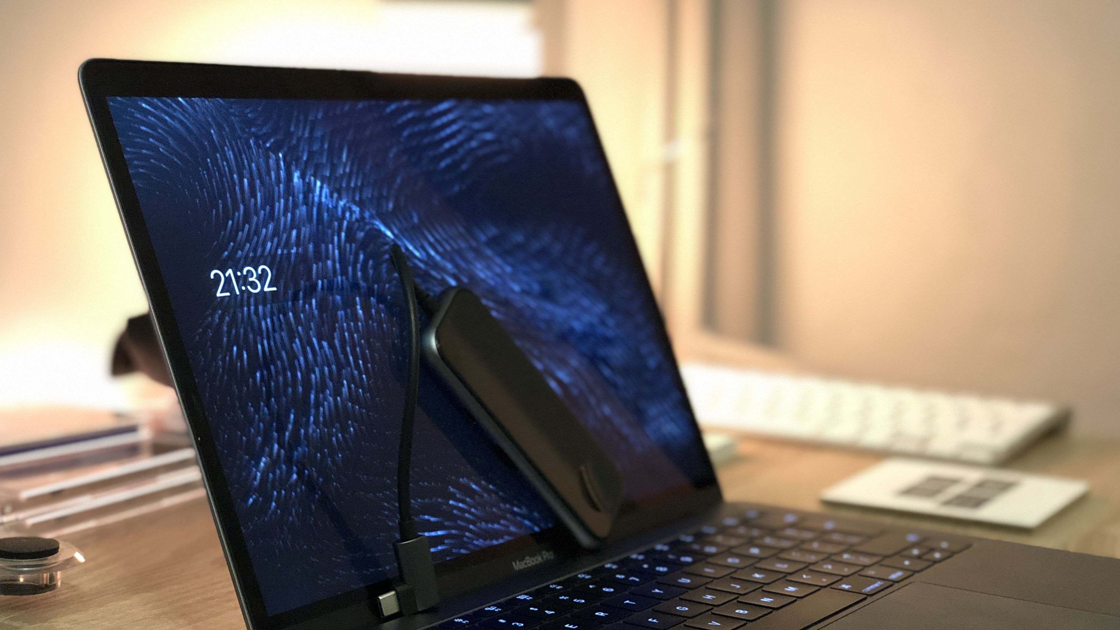 Przejściówka Baseus UCN3272 – brak portów w MacBooku zażegnany.