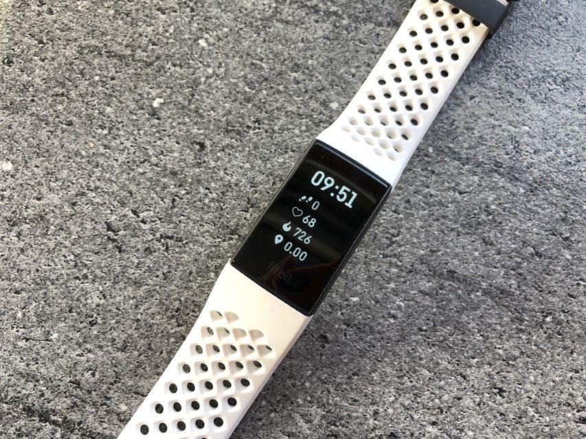 Recenzja Fitbit Charge 3 – niewielka opaska, która ma w sobie cośze smartwach'a!