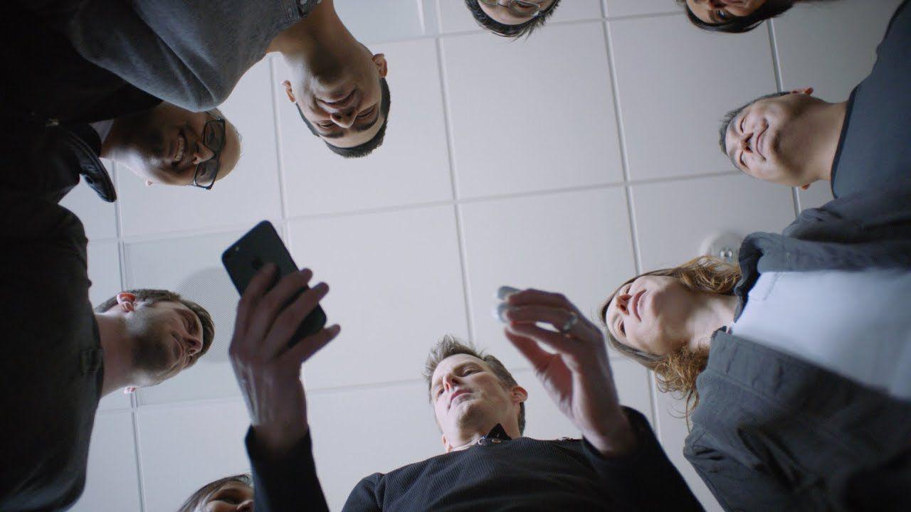 Różnorodność przedstawiona na filmach z pracownikami firmy Apple