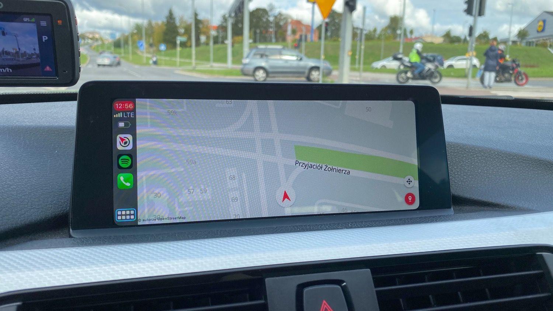 Yanosik w CarPlay – jak wygląda, jak się go używa?
