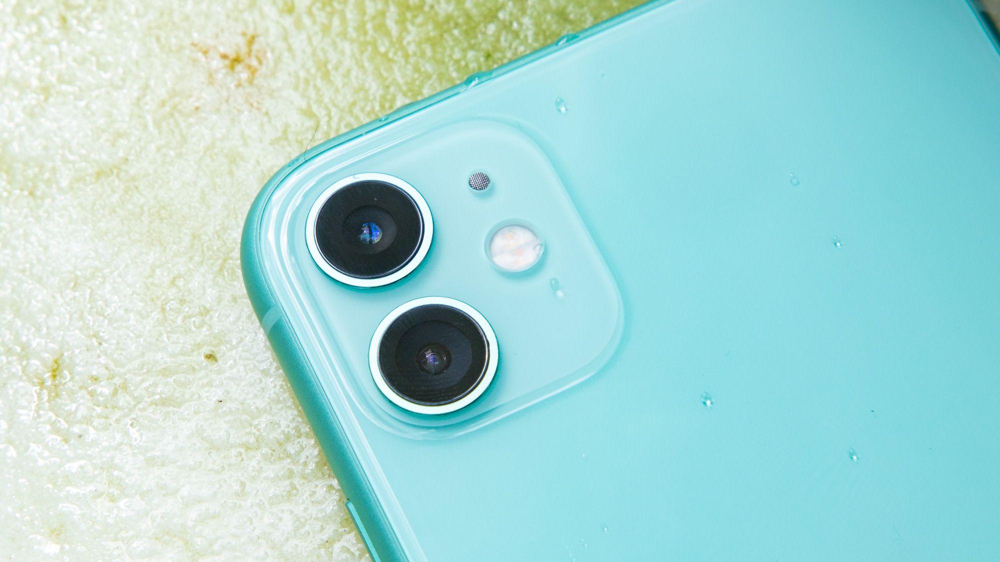 IPhone Xr vs iPhone 11 – którego z nich wybrać? Warto dopłacać do nowszego modelu?