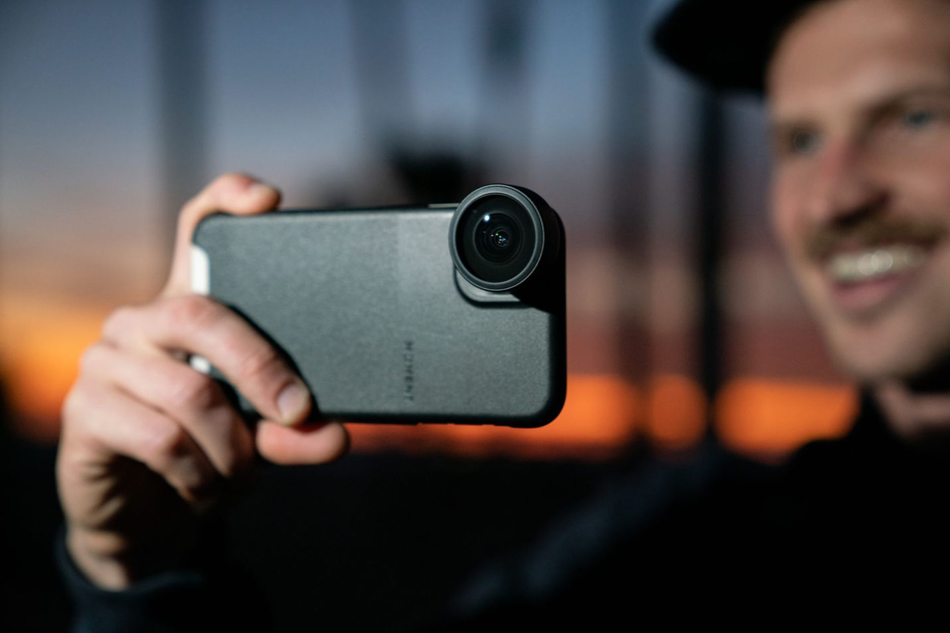Nowy obiektyw Fisheye 14mm do iPhone'a od firmy Moment