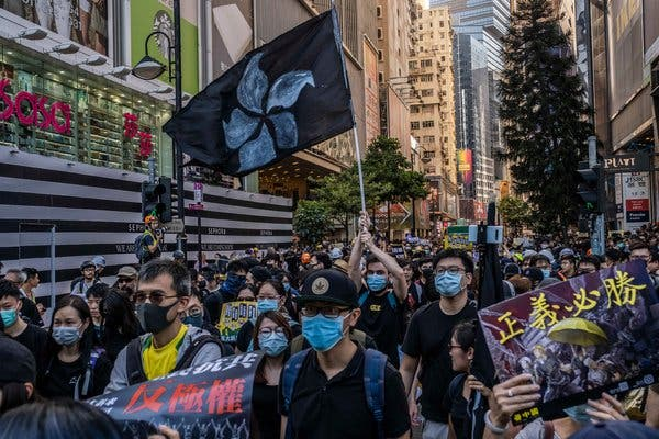 Apple usuwa ze swojego sklepu aplikacjęśledzącąprotesty w Hongkongu!
