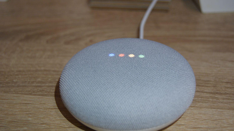 Google Nest Mini – najtańszy głośnik od Google.