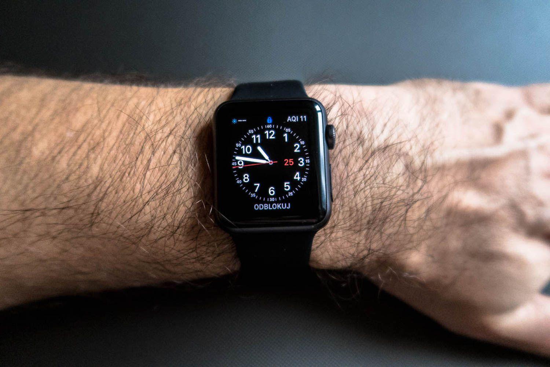 Co robić gdy Apple Watch blokuje się bez powodu?