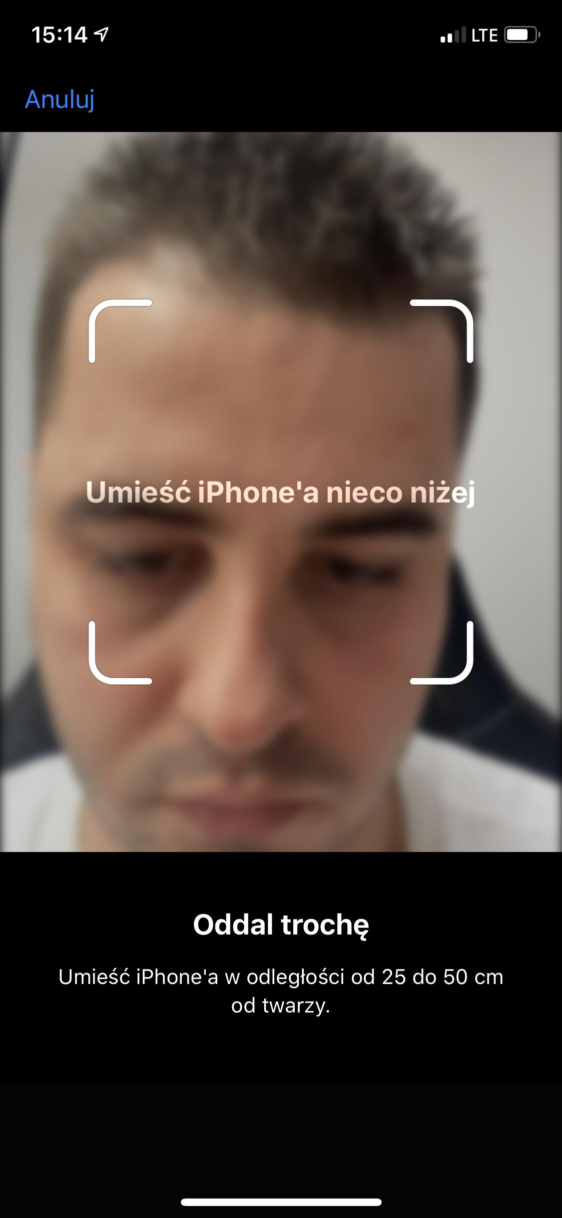 umieść iphone nieco niżej w iphone z uszkodzonym face id