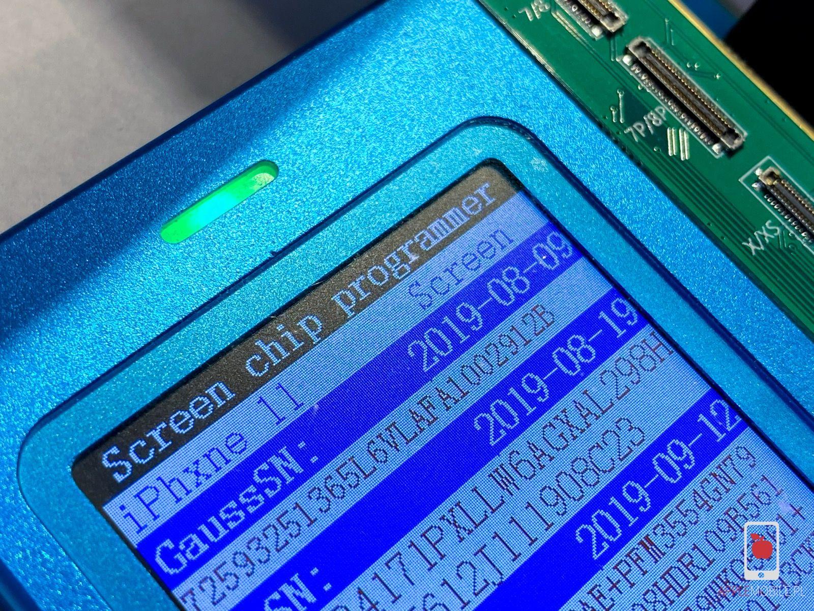 Serwis APPLEMOBILE.PL programuje i kalibruje każdy oryginalny wyświetlacz instalowany w serwisie.