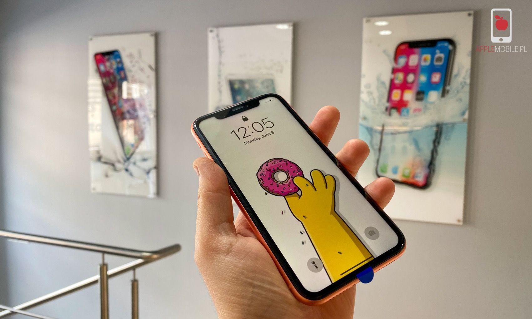 Naprawa zbitej szybki w iPhone Xr od ręki w Szczecinie. Serwis Apple iPhone Szczecin